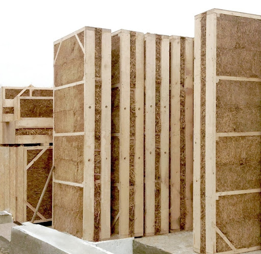 Панелі для солом'яного будинку